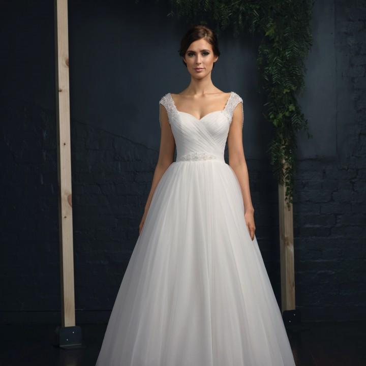Princess gown wedding dresses online wedding shops for Wedding dresses under 3000 melbourne