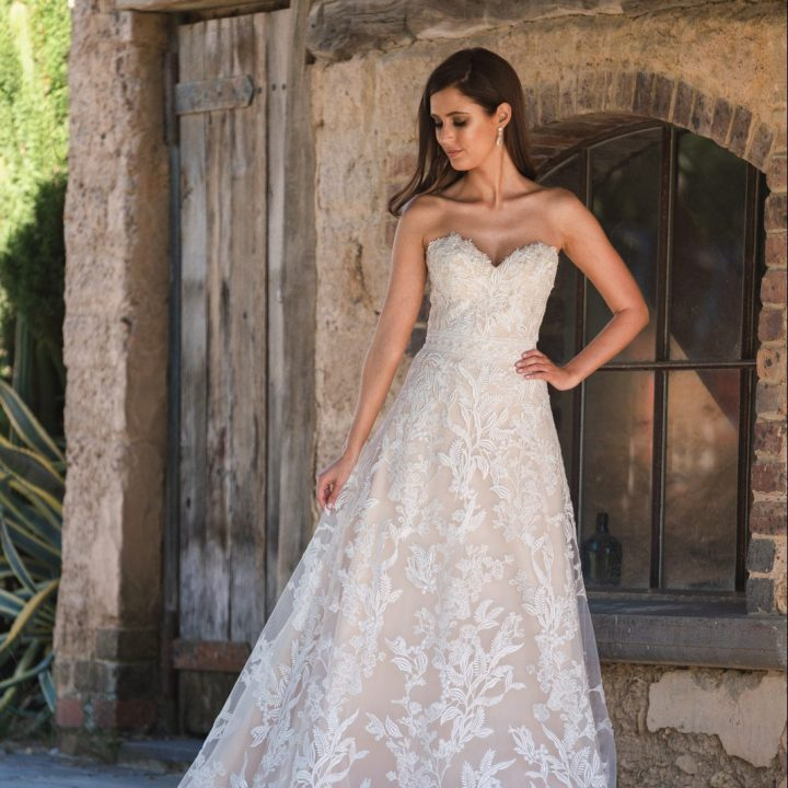 Bridal Gowns Melbourne | Lace Wedding Dresses in Melbourne