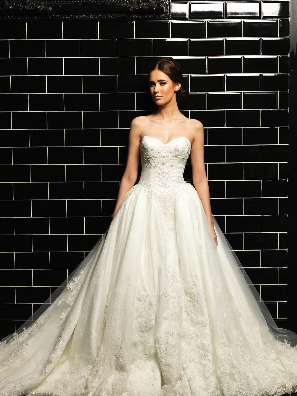 Wedding dress shop melbourne best bridal shop melbourne for Wedding dresses under 3000 melbourne