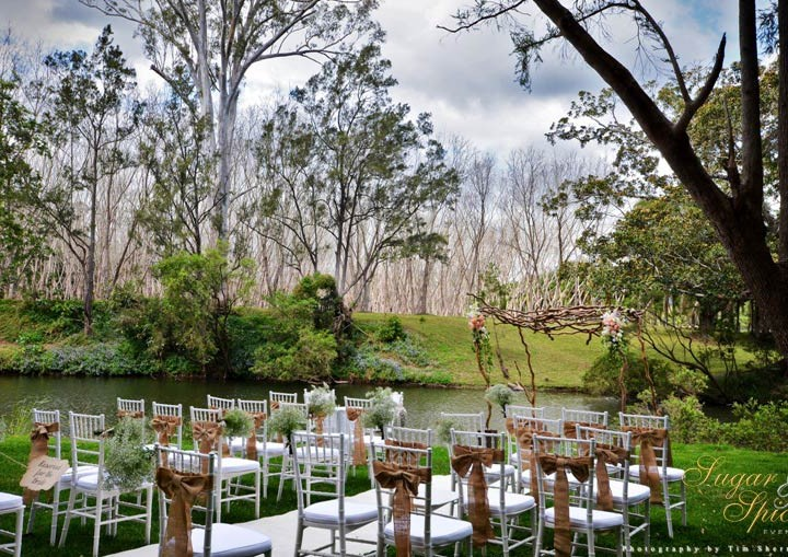 Chairs to choose for wedding ceremony